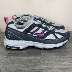 Nike Alvord 5 Athletic Trail Running Sneakers